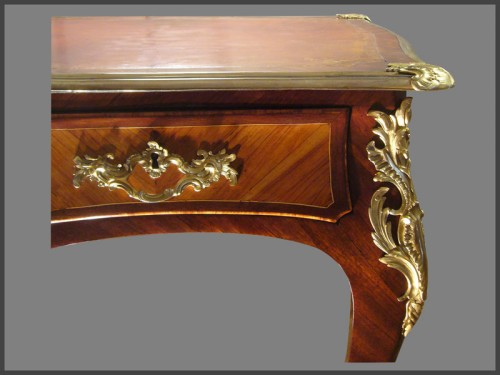 Louis XV ormolu-mounted Desk by CRIARD - Furniture Style Louis XV