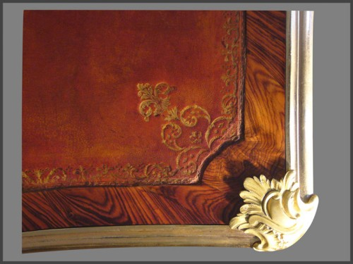 18th century - Louis XV ormolu-mounted Desk by CRIARD