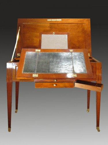 Table à transformations d'époque Louis XVI par David Roentgen - Louis XVI