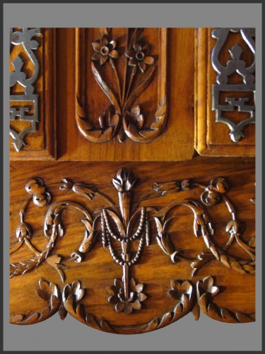 Antiquités - French Provence Armoire,