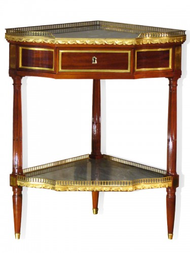 Louis XVI Pair of Mahogany Encoignures, by Georges JACOB - Furniture Style Louis XVI