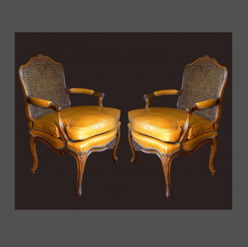 Pair of armchair