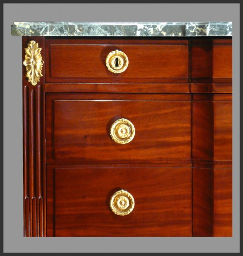 Louis XVI chest of drawers stamped Georges Jacob - Furniture Style Louis XVI