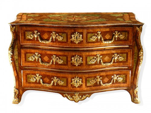 "French commode  with bronzes with the ""R"" crowned"