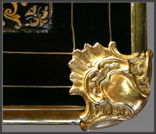 Antiquités - Early Regence Desk