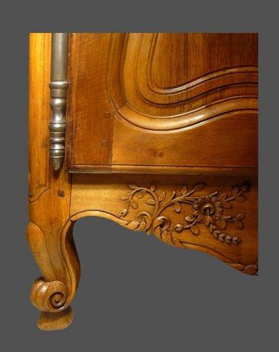 Provencal wedding cabinet -