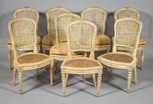 Antiquités - A Suite of eight Louis XV Caned Chairs