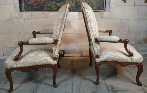 A pair of Regence walnut- armchairs, Early 18th Century -