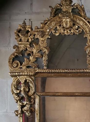 A giltwood mirror circa 1700-1720 -