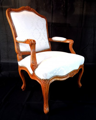 Pair of Louis XV armchairs circa 1750 - Seating Style Louis XV