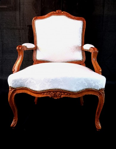 Seating  - Pair of Louis XV armchairs circa 1750