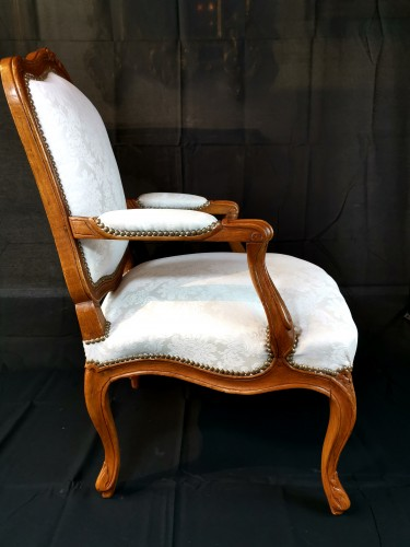 18th century - Pair of Louis XV armchairs circa 1750