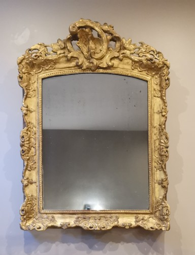 A Late Régence Period Giltwood Mirror, early 18th century - Mirrors, Trumeau Style French Regence