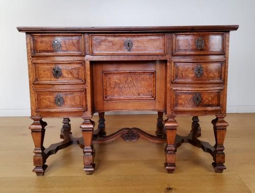 A Louis XIV Mazarin Desk, Late 17th century. - Furniture Style Louis XIV
