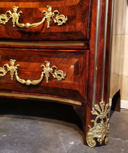 Antiquités - A Régence ormolu-mounted rosewood commode early 18th century, circa 1720.