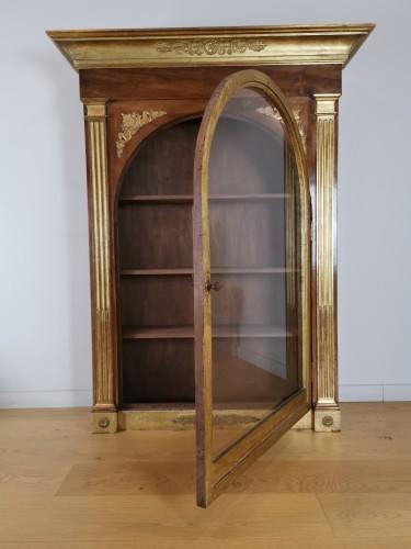 A Louis XVI giltwood showcase (vitrine) late - Furniture Style Louis XVI