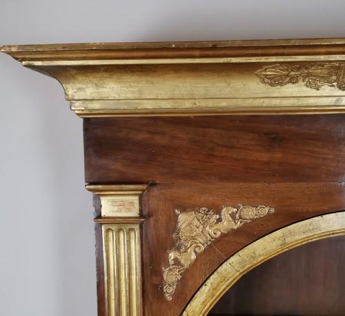 A Louis XVI giltwood showcase (vitrine) late - Louis XVI
