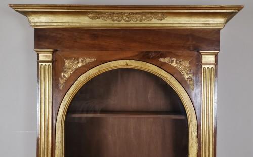 Louis XVI - A Louis XVI giltwood showcase (vitrine) late