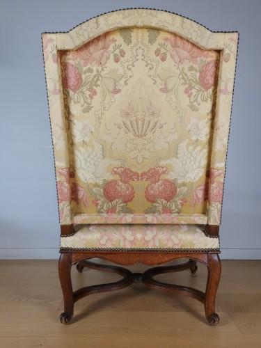 A Régence walnut armchair, early 18th century, circa 1715 - French Regence