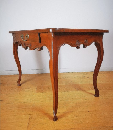 Furniture  - Provençal Writing table or small desk, mid 18th century