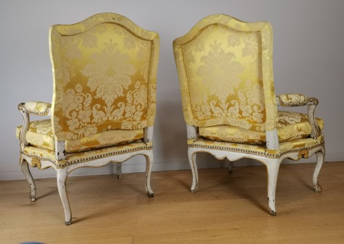 A Regence armchairs from the armchairs from the Comtat Venaissin -
