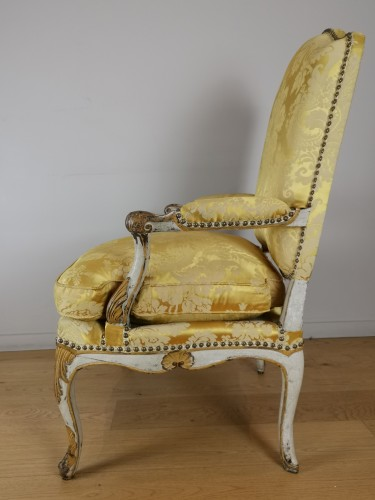 A Regence armchairs from the armchairs from the Comtat Venaissin - French Regence