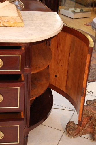 A French Louis XVI commode in mahogany -