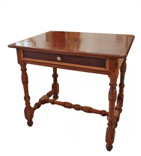 Table Louis XIV en acajou, if et bois citron