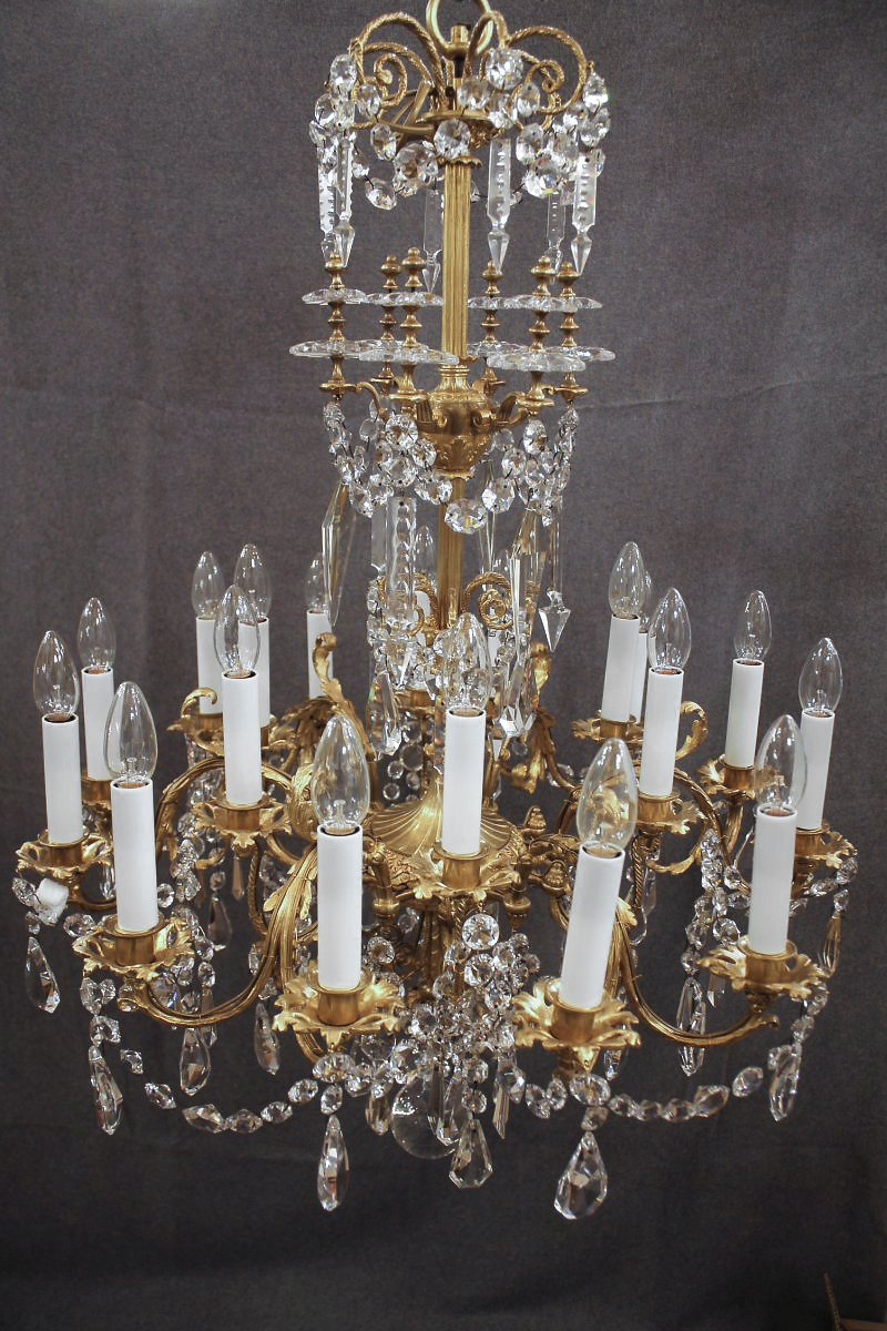 lustre en bronze et cristal de baccarat poque xixe. Black Bedroom Furniture Sets. Home Design Ideas