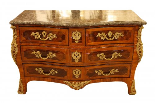 Commode Louis XV estampillée Jean LAPIE