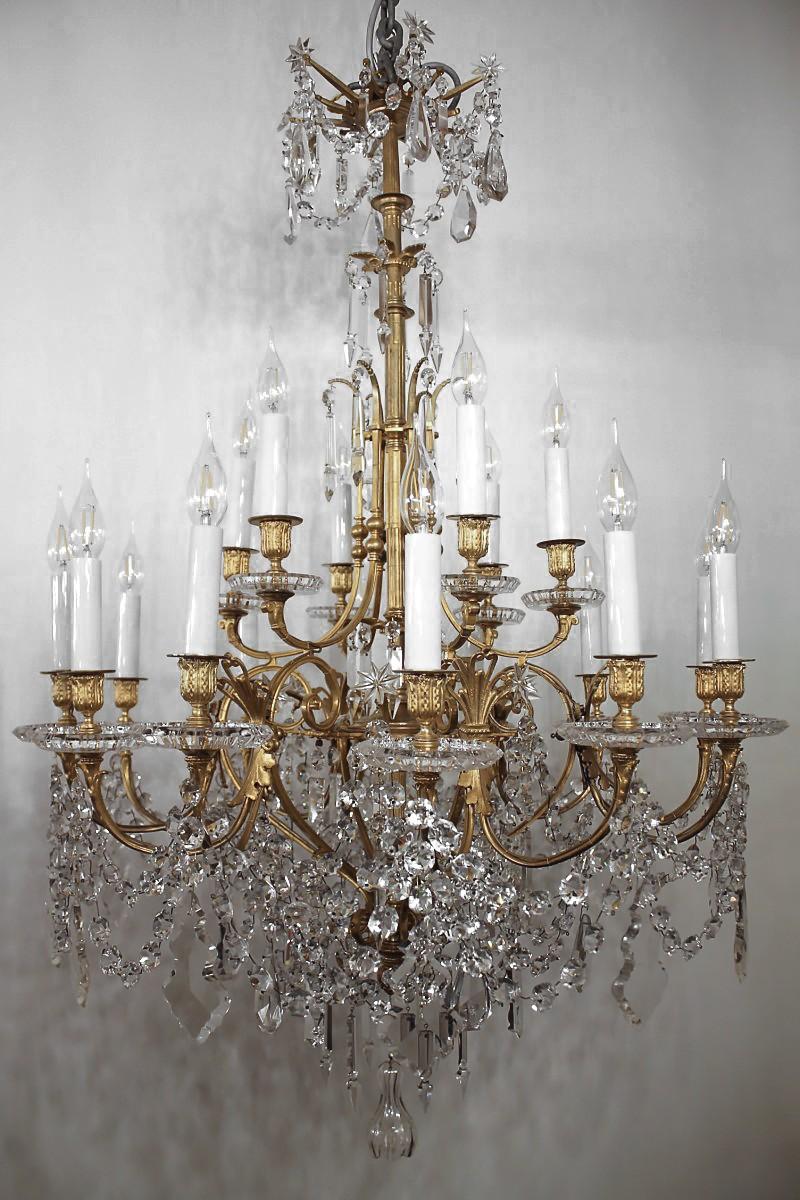 Lustre En Bronze Et Cristal De Baccarat à 18 Lumières Fin Xixe