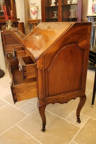 French Louis XV Provencal slope desk in walnut -
