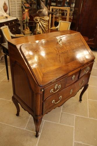 Louis XV - French Louis XV Provencal slope desk in walnut