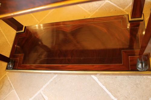 Antiquités - Caryatids console in mahogany and mahogany veneer, Empire period