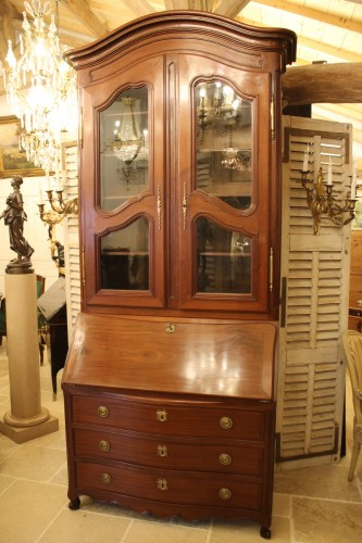 Chest of drawers and bookcase in solid mahogany, made in Nantes in the 18th century. - Furniture Style Louis XV