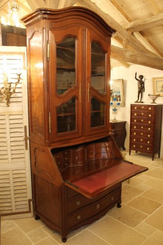 Furniture  - Chest of drawers and bookcase in solid mahogany, made in Nantes in the 18th century.