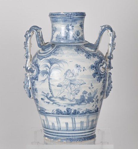 Porcelain & Faience  - Series of three earthenware vases - Savona circa 1700