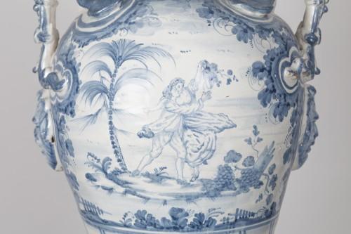 - Series of three earthenware vases - Savona circa 1700