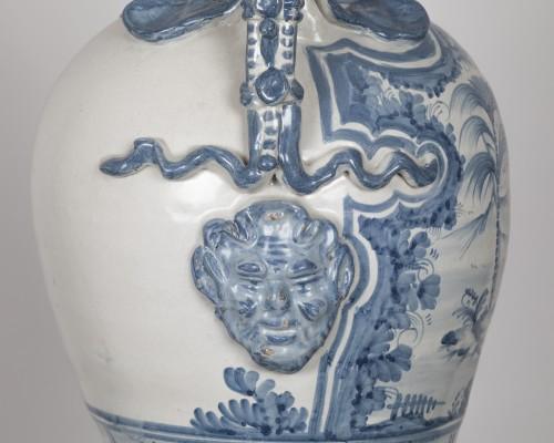 Antiquités - Series of three earthenware vases - Savona circa 1700