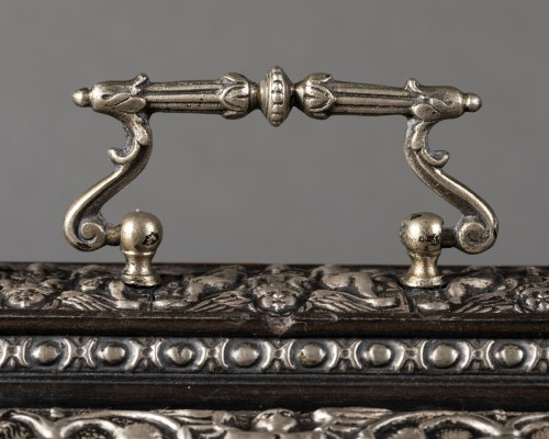 Antiquités - Box in blackened wood and silver metal with Renaissance decor