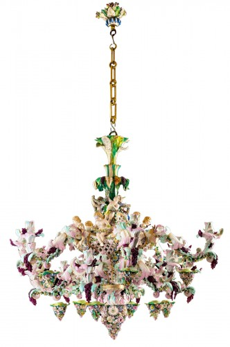 Exceptional Meissen porcelain chandelier with cherubs made in the 19th c.