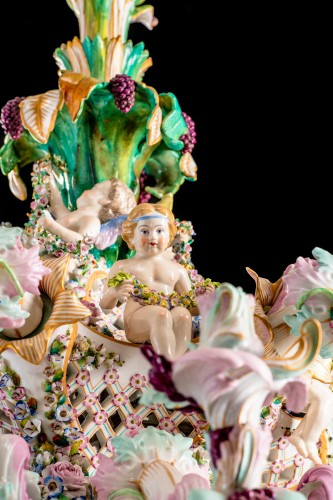 19th century - Exceptional Meissen porcelain chandelier with cherubs made in the 19th c.