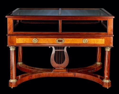 Furniture  - Empire showcase in mahogany and gilded bronze