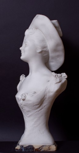 Young woman with a hat  - Henri Godet (1863 - 1937) - Sculpture Style