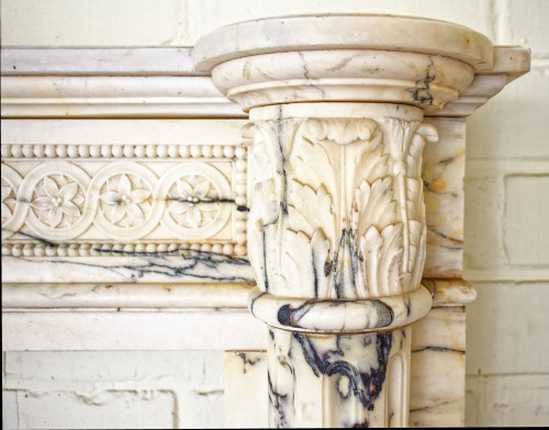 Napoléon III - Louis XVI style fireplace in Arabescato marble from the late 19th century