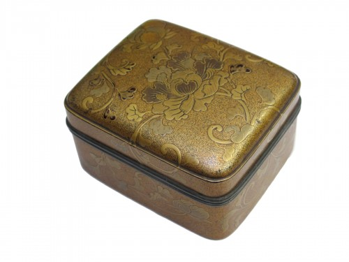 Gold lacquer kogo (incense box), Japan XIXe siècle