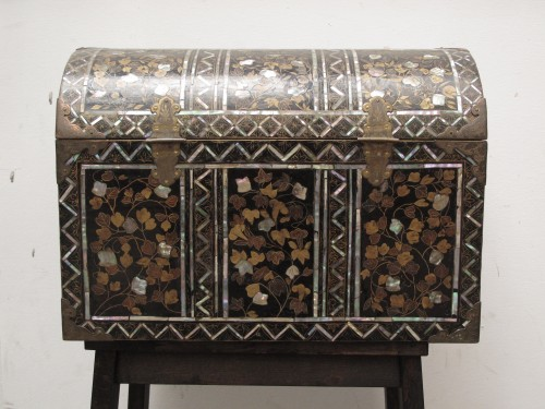 Asian Art & Antiques  - Namban style Japanese lacquer chest, 16th century