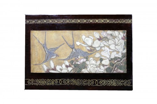 Small panel in Coromandel lacquer with a golden background