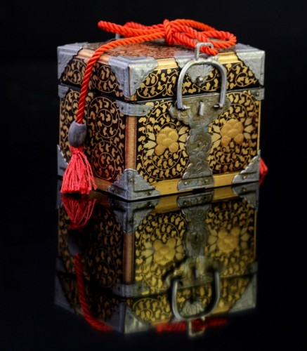 Miniature chest intended for the dolls party -