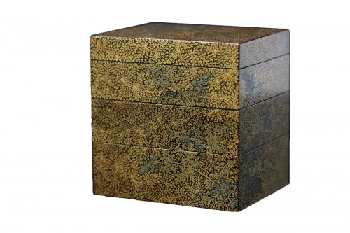 Three-cases kogo in gold lacquer